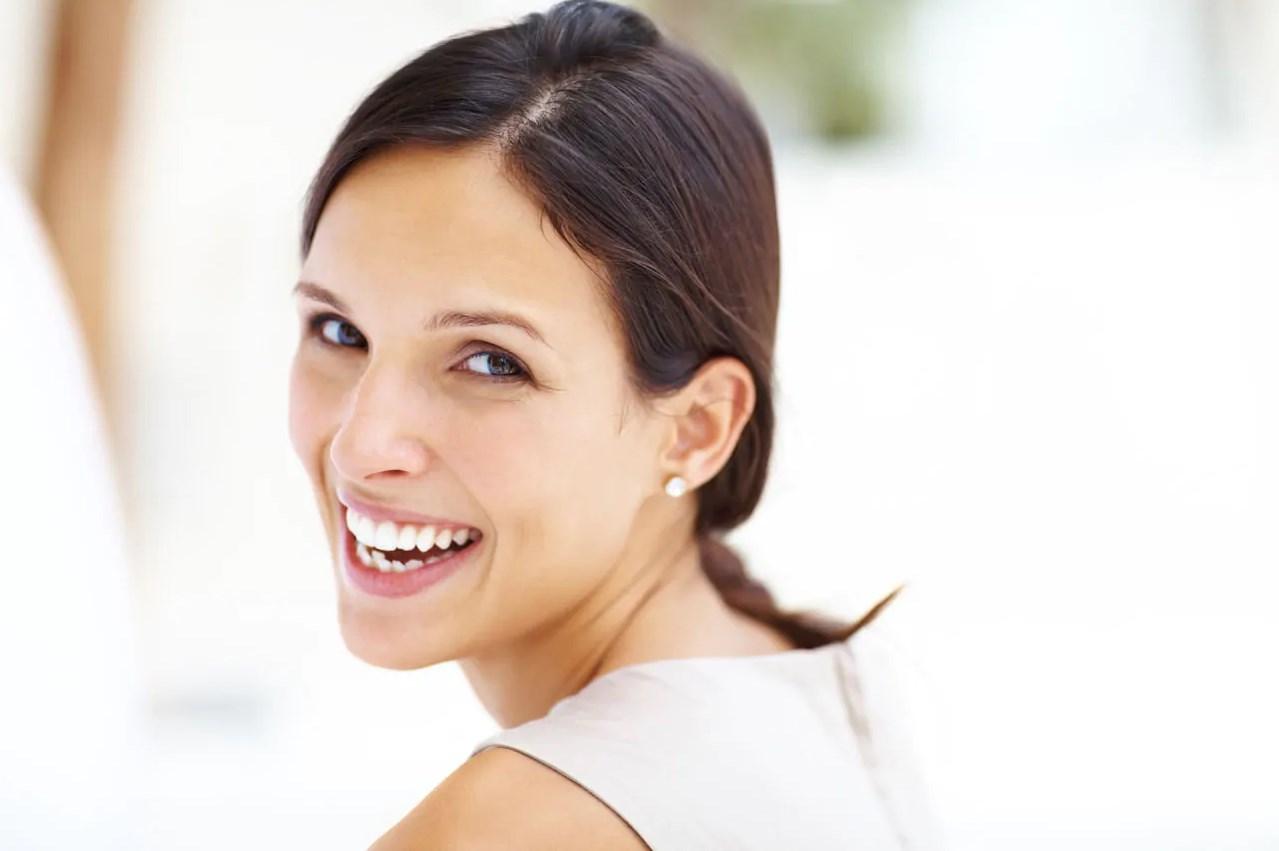 Опасно ли отбеливать зубы?
